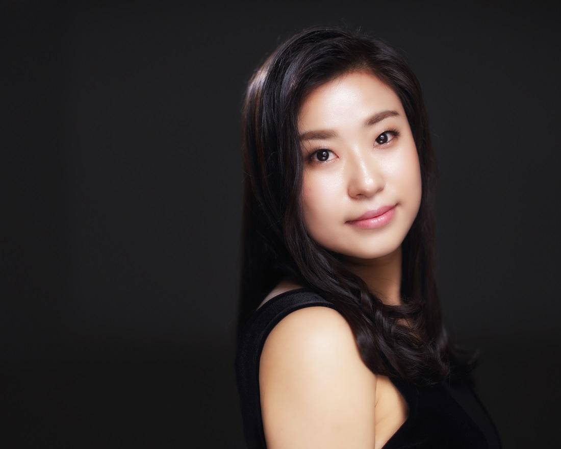 Violinist Sooji Kim (뒷면).jpg